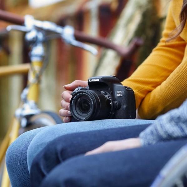 Canon EOS 800D + EF-S 18-55mm 4.0-5.6 IS STM SLR-Kamera-Set 24.2MP CMOS 6000 x 4000Pixel Schwarz
